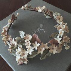corona de flores para novias
