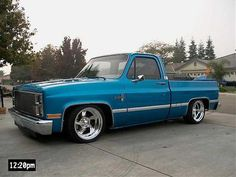 Light blue trucks - The 1947 - Present Chevrolet & GMC Truck Message Board Network Gmc Trucks, Custom Chevy Trucks, Chevy Pickup Trucks, Chevy Pickups, Chevrolet Trucks, Diesel Trucks, Cool Trucks, Chevy Silverado, Gmc Suv