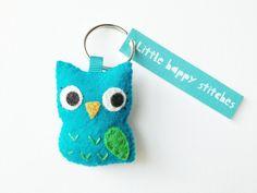 Felt Owl Keyring cute felt owl by littlehappystitches on Etsy Felt Crafts, Paper Crafts, Felt Keyring, Owl Cakes, Felt Owls, Fabric Scraps, Pin Cushions, Creative Inspiration, Cardmaking