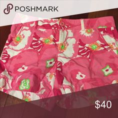 Lilly Pulitzer shorts Excellent condition. Maybe worn twice. Lilly Pulitzer Shorts