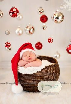 cute baby Christmas pic idea...so cute!
