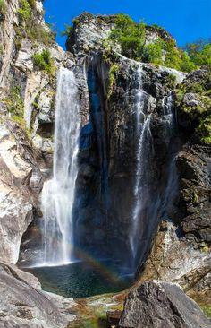 waterfall near Brontallo, Ticino, Switzerland.  Infos zum Wasserfall Cascata del Salto in Maggia, Homepage von Maggia, die Valle Maggia-Homepage, Grüsse aus dem Tessin, MaCello