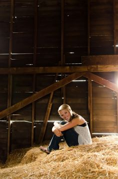 Love the hay loft idea! It be fun to do for senior pics