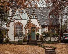 Cozy Cottage, Cottage Homes, Cottage Style, Witch Cottage, Witch House, Home Design, Casa Estilo Tudor, English Tudor Homes, Hollywood Homes