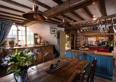 a gorgeous kitchen in a gorgeous 17th Century, very English, home