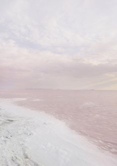 Find images and videos about pink, beach and sky on We Heart It - the app to get lost in what you love. Wild At Heart, Ode An Die Freude, Parasols, All Nature, Photos Du, Beautiful Places, Surfing, Scenery, World