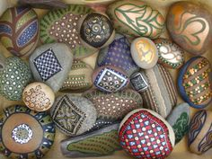 some of my stones from couple of years ago Nespresso, Easter Eggs, Kitchen Appliances, Stones, Couple, Art, Diy Kitchen Appliances, Art Background, Home Appliances