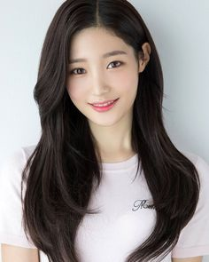 Pin Image by Blondes Styles Korean Haircut Long, Korean Hairstyle Long, Korean Long Hair, Korean Hairstyles Women, Redhead Hairstyles, Asian Haircut, Asian Short Hair, Japanese Hairstyles, Asian Hairstyles