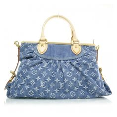 LOUIS VUITTON Denim Neo Cabby MM Blue ❤ liked on Polyvore featuring bags, handbags, carteras, louis vuitton, monogrammed tote bags, blue handbags, blue purse, denim purse and louis vuitton tote