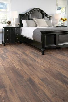 Shaw Vintage Accents Laminate Flooring (18.48 sq. ft./ctn)
