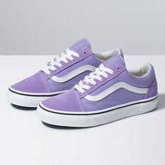 Vans Old Skool. The original classic side stripe skate shoe. Built with Vans DNA. Women's Shoes, Top Shoes, Cute Shoes, Me Too Shoes, Shoes Style, Platform Shoes, Purple Vans, Purple Shoes, Pastel Vans