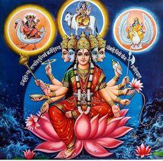 Godess Gayatri flanked by Matrika Bhrami , Maa Vaishnavi and Mata Maheswari . Gayatri Devi, Gayatri Mantra, Saraswati Goddess, Goddess Lakshmi, Hanuman Stories, Shiva Parvati Images, Durga Images, Lord Hanuman Wallpapers, Hindu Dharma