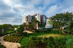 Image 1 of 23 from gallery of Daniels Lane / Blaze Makoid Architecture. Photograph by Marc Bryan Brown