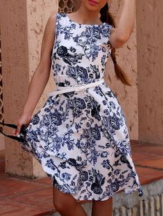 Retro Style Jewel Neck Sleeveless Floral Print Belted Flare Dress For Women