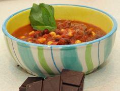 Schokolade im Chili con Carne ist das Tüpfelchen auf dem i. Das Rezept gibt es bei www.ichkoche.at