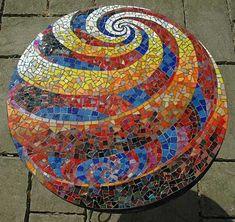 Spiral design on orb Garden Spheres, Glass Garden Art, Garden Balls, Mosaic Bowling Ball, Bowling Ball Art, Mosaic Designs, Mosaic Patterns, Abstract Designs, Stone Mosaic