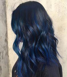 20 awesome blue black hair looks to raise charm hair color i Dark Blue Hair, Hair Color Blue, Cool Hair Color, Black Hair With Color, Midnight Blue Hair, Brown Hair, Blue Hair Highlights, Blue Hair Streaks, Grunge Hair
