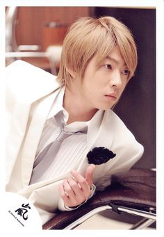a blond aiba masaki! Really Funny, My Sunshine, Guys, People, Handsome Man, Blond, Idol, So Funny, Man Candy Monday