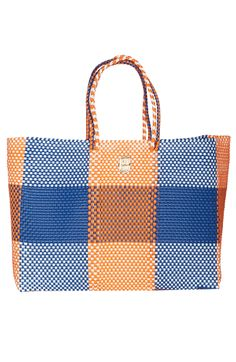 The perfect tote bag for your next getaway.