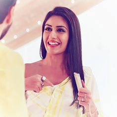U r smile make person happy because u r smile has that much positive energy and look so nice Dil Bole Oberoi, Surbhi Chandna, Trending Haircuts, Tv Actors, Bollywood Actors, Priyanka Chopra, Celebs, Celebrities, Best Couple