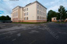 Oulun yliopisto - Kajaanin opettajankoulutusyksikön päärakennus. Oulun yliopisto