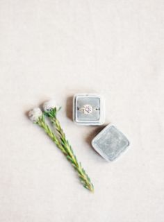 Pretty sparkle: http://www.stylemepretty.com/little-black-book-blog/2015/03/27/neutral-la-rio-mansion-wedding-inspiration/ | Photography: Mint - http://mymintphotography.com/