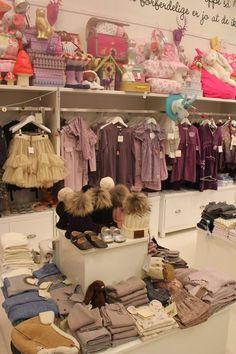 Berthas Oldebarn shop display. kids room. Kinderkamer. Chambre d'enfant.