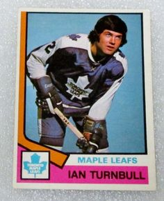 O PEE CHEE 1974-75 IAN TURNBULL ROOKIE HOCKEY CARD! RC - EX-N/M - MAPLE LEAFS. #OPC #TorontoMapleLeafs Hockey Cards, Baseball Cards, Maple Leafs Hockey, Toronto Maple Leafs, Nhl, Leaves, Retro, Sports, History