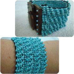Bracelete em Miçangas & Madeira Azul Turquesa   www.munayartes.com