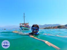 Wat betekent vakantie op Kreta: Een vakantie is een periode waarin u vrij bent van verplichtingen. Met andere woorden, u kunt doen waar u zin in heeft oftewel uw eigen ding doen. Maar dat is niet makkelijk als u met het hele gezin op vakantie gaat en interesses nogal uiteenlopen. Doordat u schoolgaande kinderen heeft,