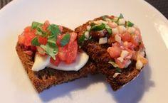 Suolaista! Bruschetta, Macarons, Tacos, Mexican, Ethnic Recipes, Food, Madeleine, Essen, Macaroons