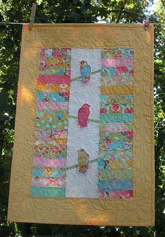 Lovely!  Love the birds between the jelly roll strips. Bird Quilts, Animals, Jelly Roll Quilt Ideas, Appliqu Idea, Birds Quilts, Jelly Rolls, Jelli Roll, Appliqu Quilt, Silk Scarves