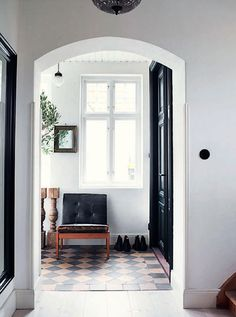 French By Design: House Tour : At home with Joséphine
