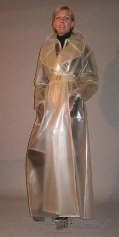 Raincoats For Women Fashion, Clear Raincoat, Pvc Raincoat, Plastic Raincoat, Yellow Raincoat, Plastic Pants, Hooded Raincoat, Rain Fashion, Latex Fashion, Imper Pvc