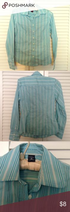 Teal and white button down Izod shirt Izod button down. Very fitted. Looks good with everything. Dressed up or down. For work or casual- tided up. Small stain on sleeve just wanted to point out. Looks worse in pic than in person... IZOD Tops Button Down Shirts