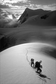 Mont Blanc de Cheilon (via Phahie / TomFahy.com) (c) 1999 Phahie / TomFahy.com under CC-BY-NC-ND license.