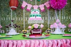 Touchdown or Tutus Gender Reveal Party Ideas Twin Gender Reveal, Gender Reveal Themes, Gender Reveal Party Decorations, Gender Reveal Football, Gender Party, Baby Gender Reveal Party, Babyshower, Reveal Parties, Party Ideas