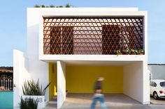 Image 1 of 19 from gallery of Casa La Reserva / AMASArquitectos. Photograph by Gabriela Sarahi Brick Architecture, Vernacular Architecture, Residential Architect, Architect House, Facade Design, Exterior Design, Interior Design Boards, Brick Facade, Apartment Plans