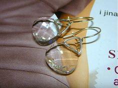 sean / Swarovski Briolette Jewelry Ideas, Swarovski, Pearl Earrings, Pearls, Handmade, Pearl Studs, Hand Made, Beads, Bead Earrings