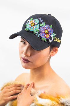 hat, Dickson Designs (Nuxalk) love this❣️ Beaded Flowers Patterns, Native Beading Patterns, Beadwork Designs, Bead Embroidery Patterns, Beaded Embroidery, Loom Patterns, Native American Dress, Native American Regalia, Native American Beadwork