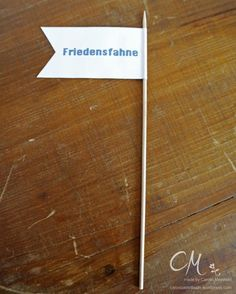 Caros Bastelbude: Ehe-Notfall-Koffer Diy Wedding Gifts, Bride Groom, Marriage, Presents, Cards Against Humanity, Weddings, Tobias, Gifs, Ideas