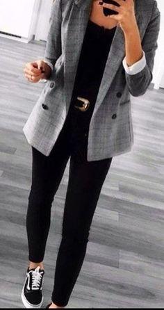 casual outfits for work / casual outfits ; casual outfits for winter ; casual outfits for women ; casual outfits for work ; casual outfits for school ; Look Blazer, Grey Blazer Outfit, Plaid Blazer, Vans Outfit, Black Pants Outfit, Blazer Fashion, Casual Sneakers Outfit, Black Trainers Outfit, Black Jeans Outfit Winter