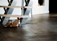 Vloer woonkamer eiken dubbel gerookt zwart geolied