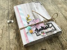 "le blog de miniMlescrap: mini album ""portrait"""
