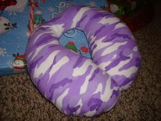 kids travel pillow tutorial. Friend made these and said they were super easy, her kids loved them.