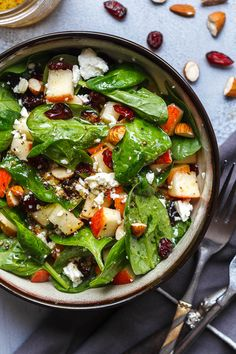 Apple Almond Feta Spinach Salad - Crunchy, sweet and easy to make, this healthy spinach salad is full of fresh flavors.