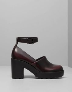 :HIGH HEEL SHOES WITH ANKLE STRAP