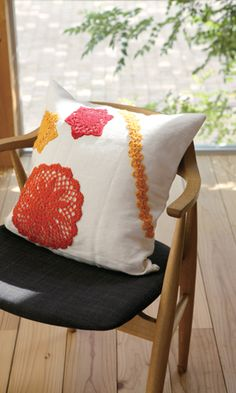 Ravelry: Embellishments for Cushion pattern by Pierrot (Gosyo Co. Crochet Symbols, Crochet Stitches Patterns, Crochet Designs, Crochet Ideas, All Free Crochet, Crochet Home, Crochet Yarn, Crocheted Lace, Crochet Cushions