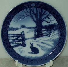 ROYAL COPENHAGEN CHRISTMAS PLATE 1971 Hare In Winter Blue White Decor Plate
