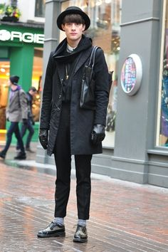 To Be Prince Charming in Autumn, You Must Prepare Fashion Outerwear! Fashion Leaders, Fashion Hub, Prince Charming, Mens Clothing Styles, Black Tops, Normcore, Hipster, Hat, Street Style